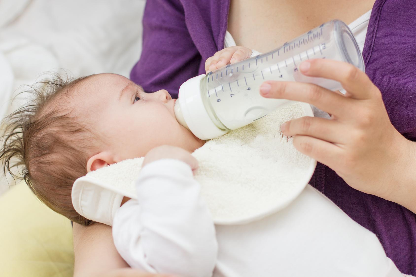 Auch wenn es mittlerweile gute Ersatzprodukte gibt, zählt immer noch:Auch wenn es adäquaten Ersatz gibt, gilt nach wie vor: Muttermilch ist die Beste. (#01)