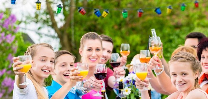 Wenn eine spontane Gartenparty angesagt ist, bringt einfach Jeder was mit. So hat nicht der Gastgeber die ganze Arbeit.