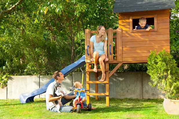 Die kleinere Variante eines Spielturms für zuhause von den Eltern aufgebaut.