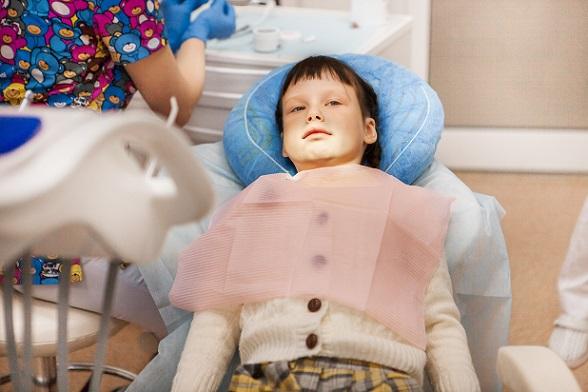Angst vor dem Zahnarzt ist nicht nur bei Kindern ein Problem.(#01)