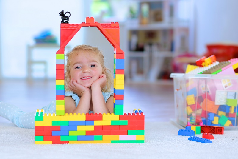 Nach dem Spielen kommt das Aufräumen: Es gibt mehrere Möglichkeiten, um die Lego®-Steine ordentlich und vor allem übersichtlich zu verstauen. (#02)