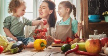 Hilfreiche Tipps: So spart man Zeit beim Kochen für die ganze Familie