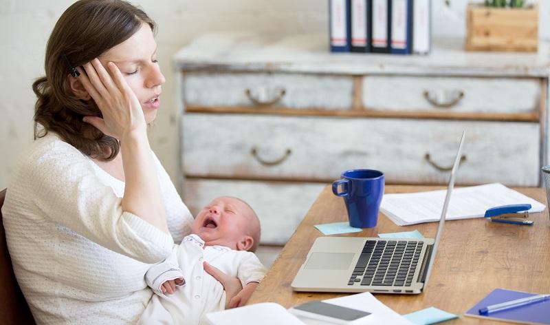 Mit einem Kind ist es besonders wichtig, klare Grenzen zu setzen, und zwar auch für sich selbst. Manchmal müssen sich die Mütter dann zwischen Familie und Studium oder Beruf entscheiden. (#04)