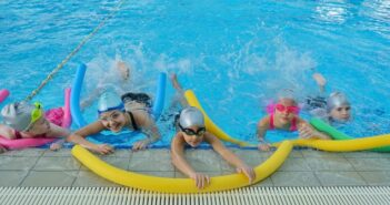 Schwimmkurs für Kinder: So lernen Babys & Kids schwimmen