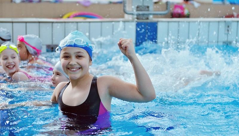 Beim Schwimmkurs für Kinder ist das Seepferdchen die erste Herausforderung. (#03)