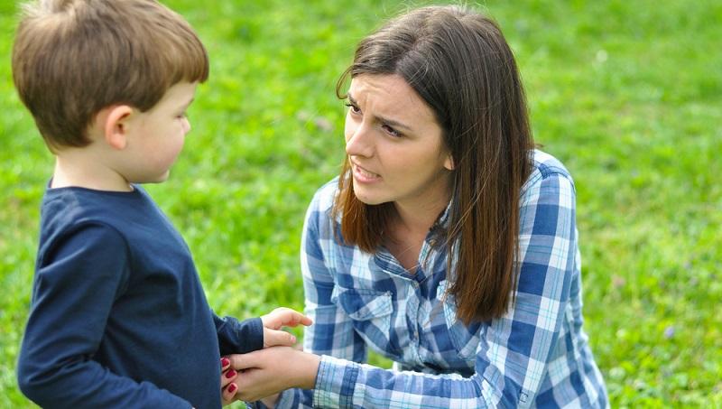 Mindestens ebenso wichtig wie die Tatsache, dass Eltern Verhaltensregeln für Kinder definieren und umsetzen müssen, ist die Art und Weise der Vermittlung.(#02)