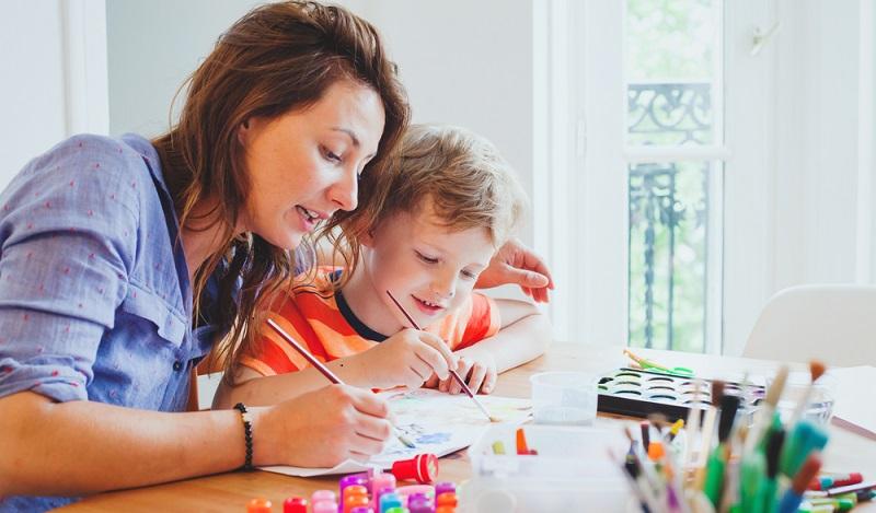 Wenn es jedoch gelingt, das Kind neu zu motivieren und ihm mit ein paar Lerntipps wieder zu Erfolgserlebnissen zu verhelfen, kommt schnell eine positive Entwicklung in Gang. (#02)