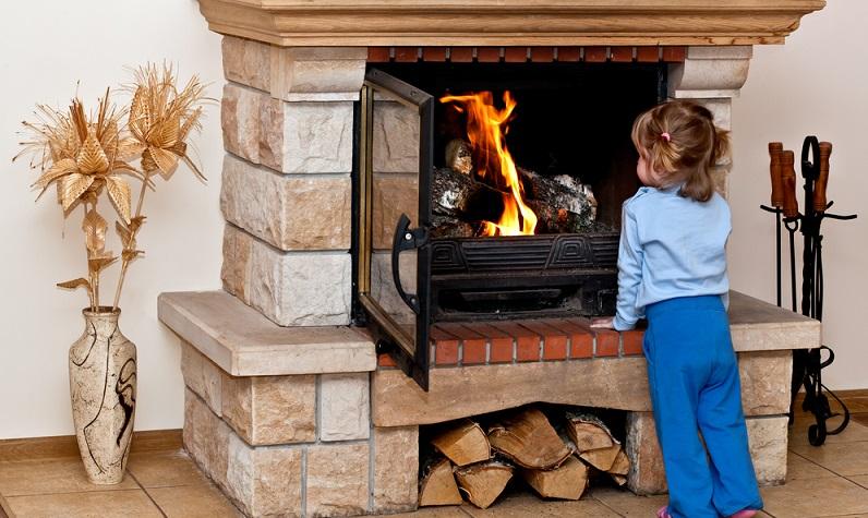 Ziel der Erziehung ist es, den Kindern die Gefahren des Feuers zu erklären und ihnen einzuprägen, dass sie niemals ohne Eltern oder andere Erwachsene Streichhölzer und Feuerzeuge benutzen dürfen, um beispielsweise eine Kerze anzuzünden. (#02)