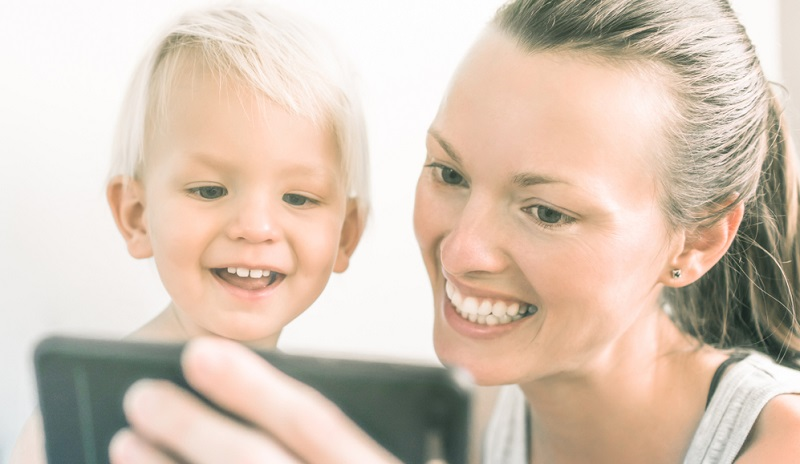 Gute Apps für kleine Kinder sollten das Kind auf keinen Fall ängstigen oder es unruhig werden lassen. Beobachten Sie Ihr Kind genau, denn es sollte auch nicht ärgerlich oder wütend werden.
