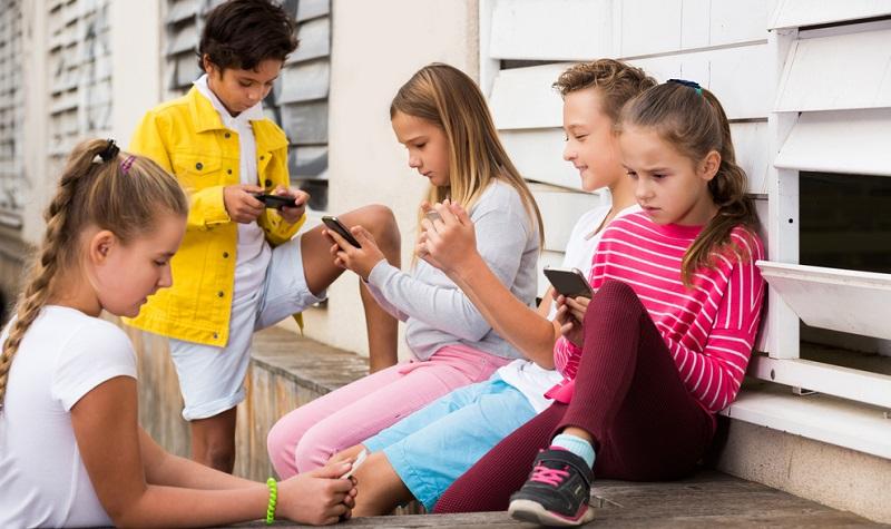 Die App darf nicht nur dem Kind gefallen, denn Kinder sind hier nicht besonders wählerisch. Achten Sie statt auf die Meinung des Kindes besser auf angegebene Alterseinstufungen und auf die Erfahrungen anderer Eltern. (#02)