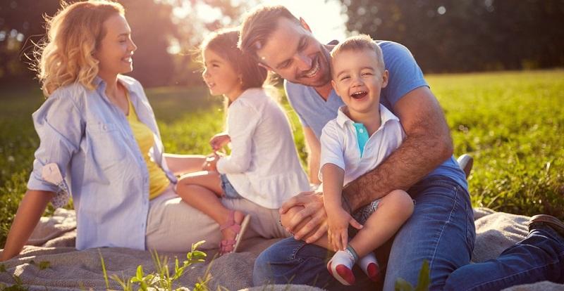 Arbeiten Eltern Hand in Hand und nehmen sich die Zeit, möglichst gemeinsam auf das Kind einzugehen, macht dies alles leichter.