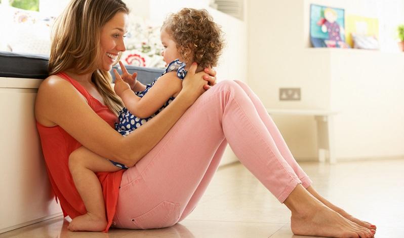 Im ersten Lebensjahr wird also der Grundstein für eine gute Mutter-Kind-Beziehung gelegt.