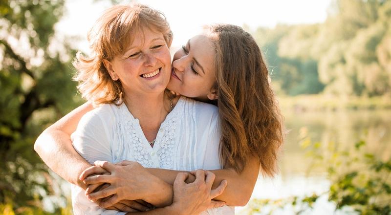Die Mutter-Kind-Beziehung kann als ein Hafen gesehen werden. Im Laufe der Zeit wird das Kind diesen Hafen verlassen und versuchen, die Welt zu erkunden. Es wird Erfolge und Rückschläge erleben und dabei das Wissen im Kopf haben, jederzeit in seinen Hafen zurückkehren zu können.