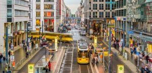 Die Bevölkerungsentwicklung in den Großstädten - allen voran Berlin - ist von einer starken Zuwanderung geprägt. (#2)