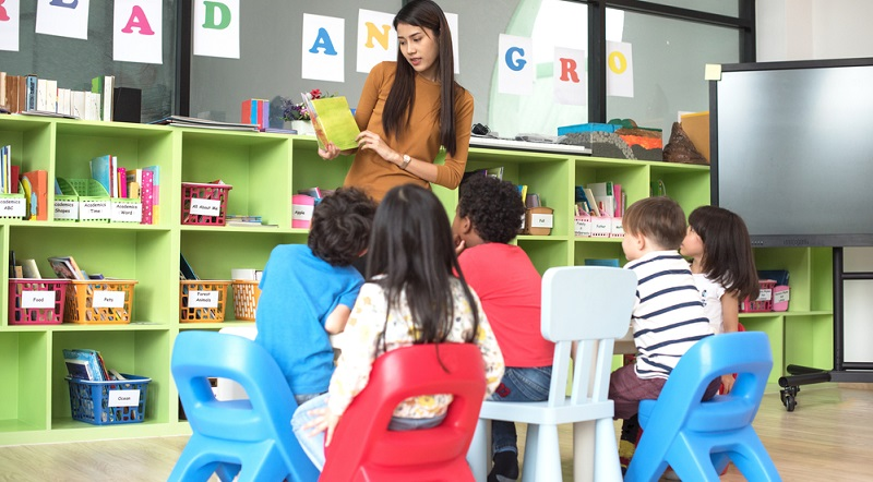 Es dürfte hinlänglich bekannt sein, dass die Zustände in der Kinderkrippe oder im Kindergarten nicht in Ordnung sind.