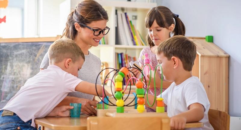 Neben öffentlichen Kindergärten gibt es außerdem private und kirchliche Einrichtungen, bei denen in den meisten Fällen höhere Kosten anfallen.
