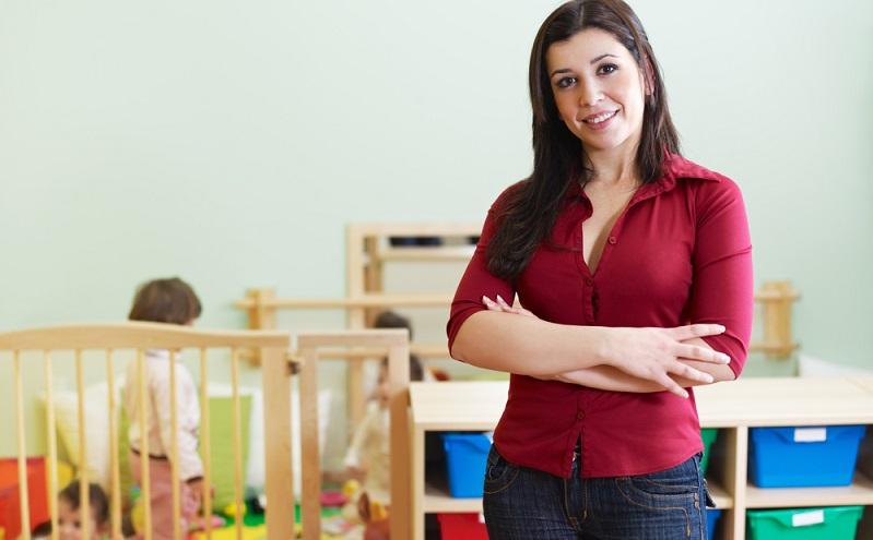 Wer Interesse an einem Job als Kindergartenleitung hat, diese Stellen sind immer wieder auf diversen Portalen ausgeschrieben. ( Foto: Shutterstock-Diego Cervo )